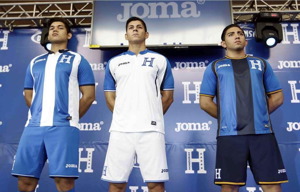 Fenafuth y Diunsa presentaron la nueva camiseta de la Selección de Honduras  para la eliminatoria de la Concacaf rumbo al Mundial de Rusia 2018. 91a8e2bbf8cf1