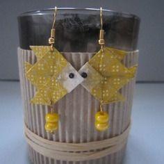 Boucles d'oreille poisson jaune et doré en origami de papier japonais