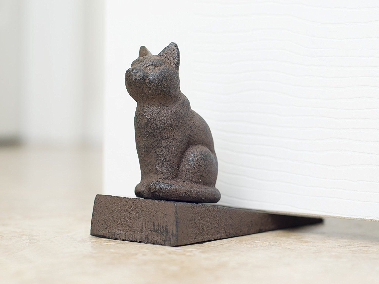 A guard kitty???? Maybe you might need one. Vintage Cast