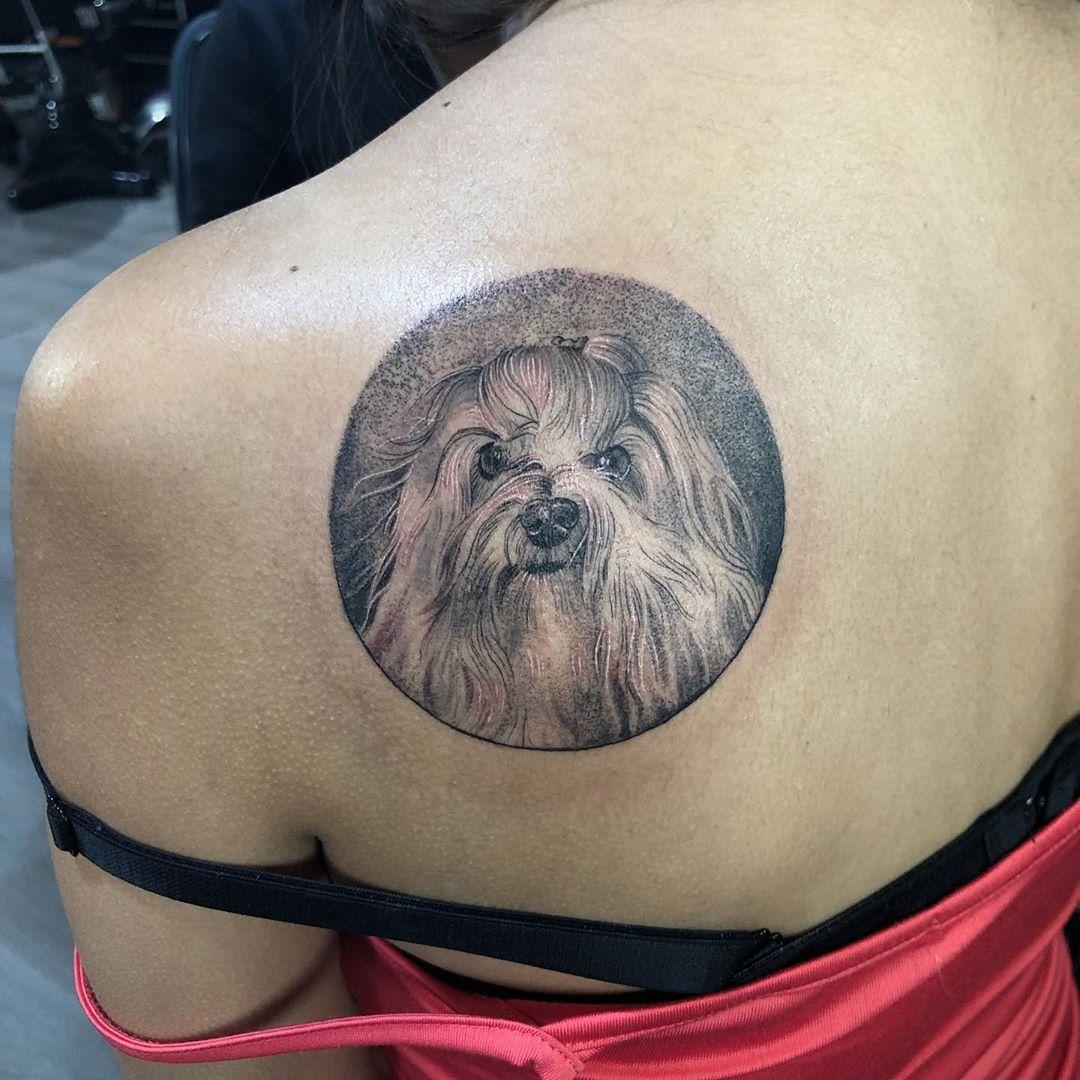 Retrato de su bebé para @catterine.cortez  Solo Primera foto: saturación -5  Tatuado en @blackcrown_cl  Estoy sin mucha señal pero en unos días llego a Santiago y respondo todo!  Citas disponibles para marzo!  Si quieres un retrato de tu bebe agenda con tiempo 👌🏽 . . . . . .  #tattoo #tattoist #tatuador #tattooart #tattooist #tattooshop #tattoochile #tattoocolor #tatuajechileno #tattoochileno #ink #inked #instattoo #instachile #tattooja #wings #boystattoo #girltattoo #wathercolortattoo #maptat