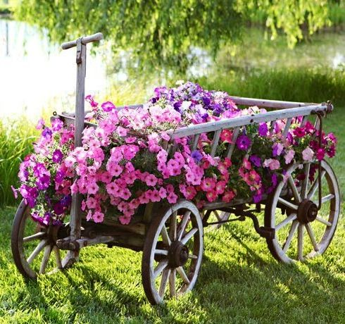 Ordinaire Wagon Filled With Petunias Cute Pink Flowers Garden Cart Yard Wagon Planter  Petunias