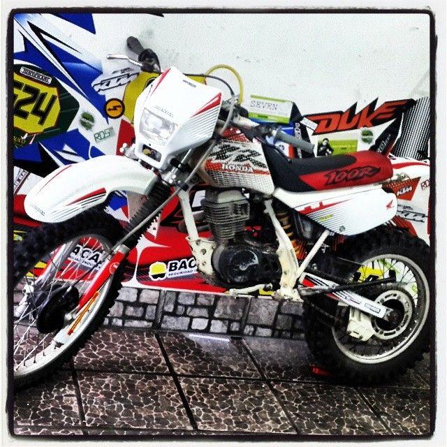 Dise o vinilo ploteo honda xr calcos stikers motos for Disenos de motos