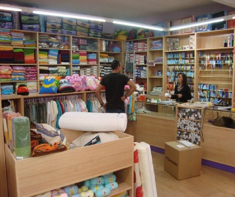 Estanterias muebles para mercerias pinterest - Mobiliario para negocios ...
