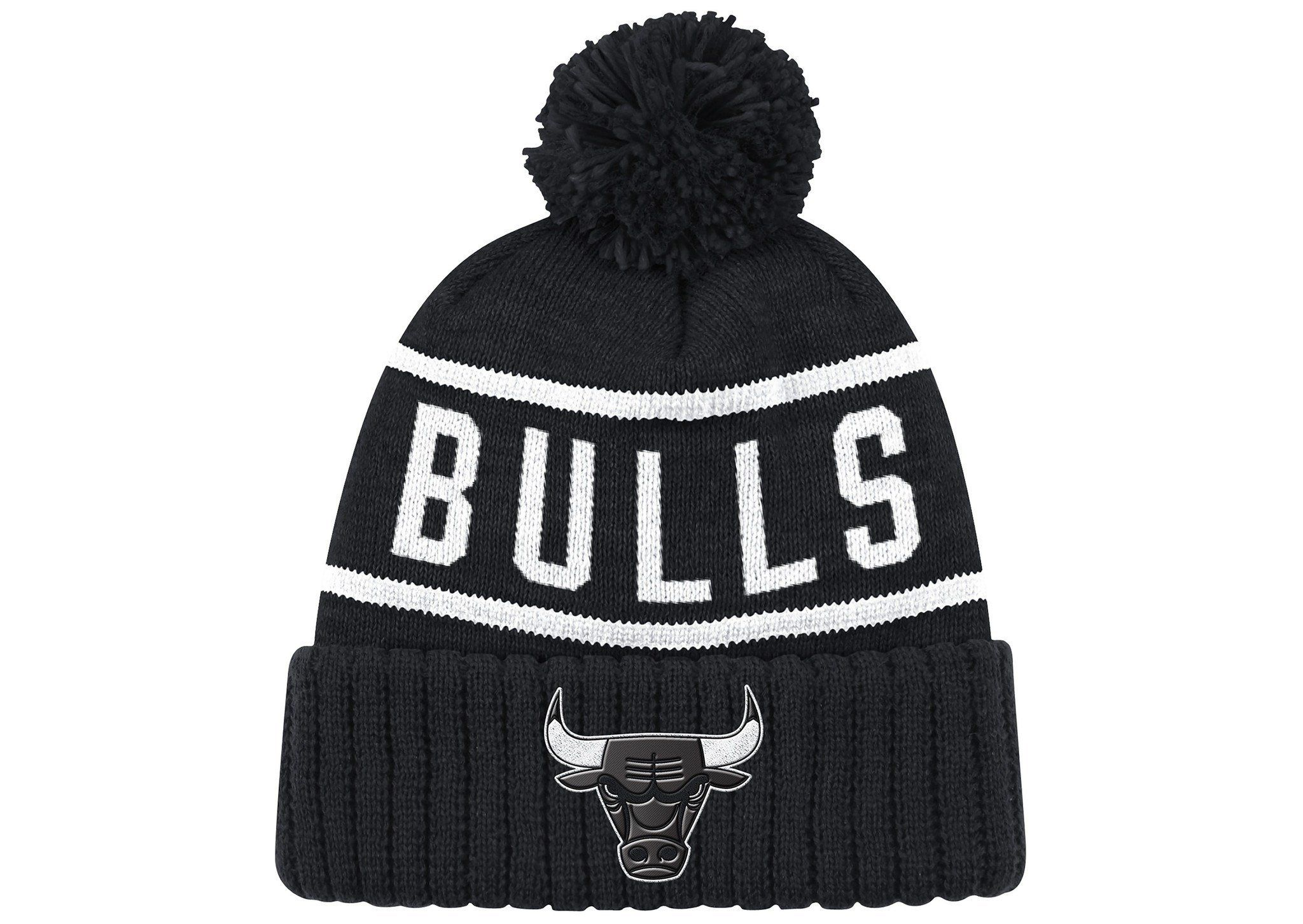 44c04c254c7 Chicago Bulls Reflective Patch High 5 Knit Hat by Mitchell   Ness ...