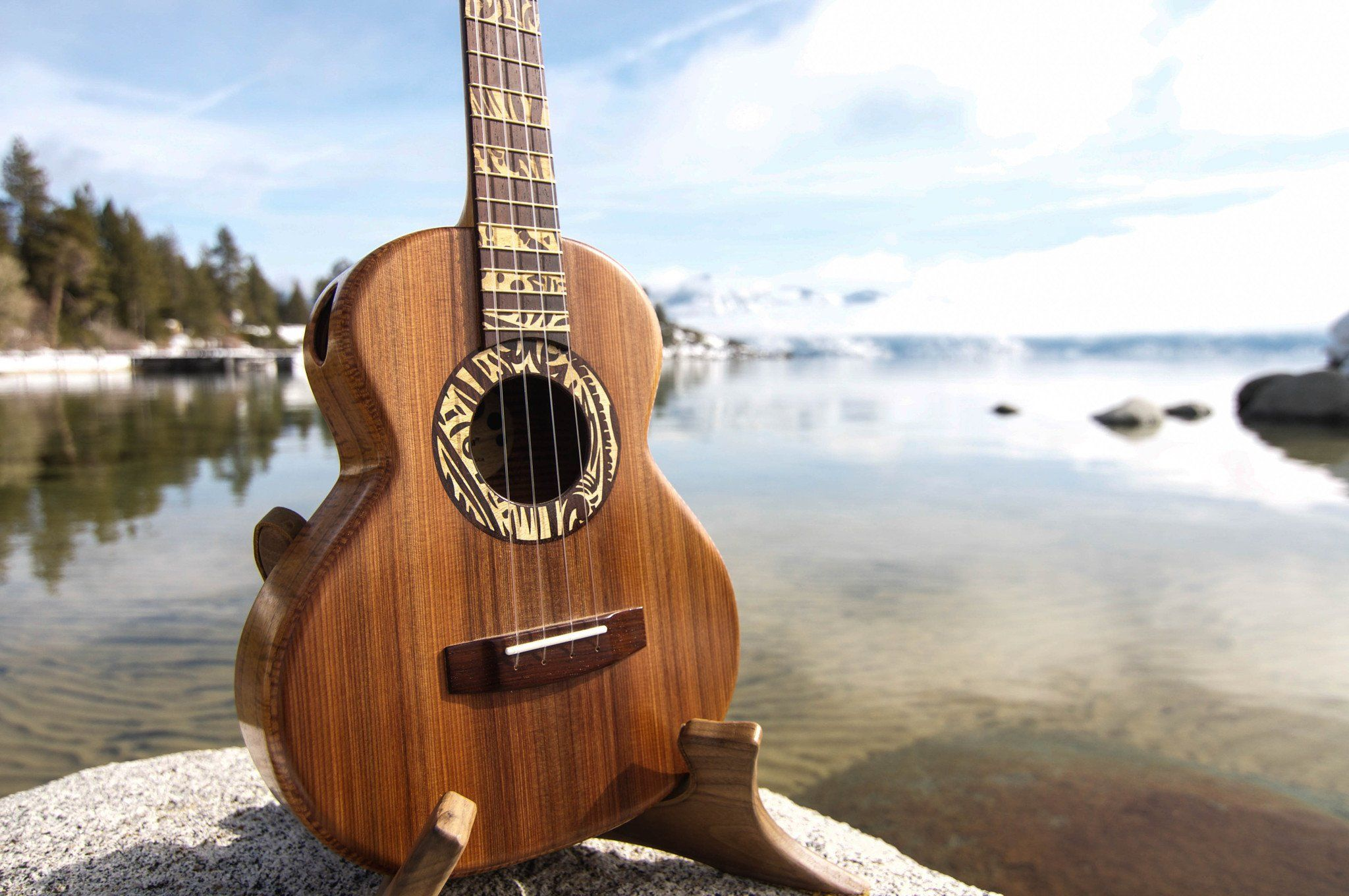 This is a great website/app for picking up ukulele. They