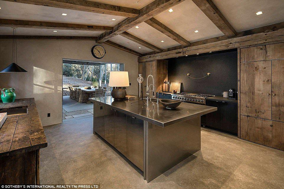 Ellen DeGeneres and Portia de Rossi reduce home price to $39.5M