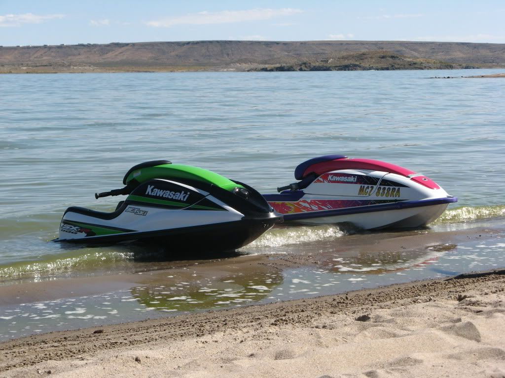 water hook up for jet ski Riding on a jet ski is a popular and enjoyable summertime recreational sport many people enjoy it just for the opportunity to spend time with family and friends on the water.