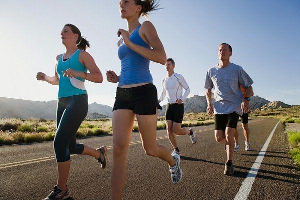 Si has decidido empezar a correr y tienes la motivación suficiente para ello, tenemos un club de running para ti. De esta manera podrás practicar deporte junto a otras personas y disfrutar de nuestra afición en compañía. Elige el programa de entrenamiento que mejor se adapte a ti. La interacción social y la competición que emana de entrenar con otros también ayudará a reforzar tu motivación. Club libre y gratuito.