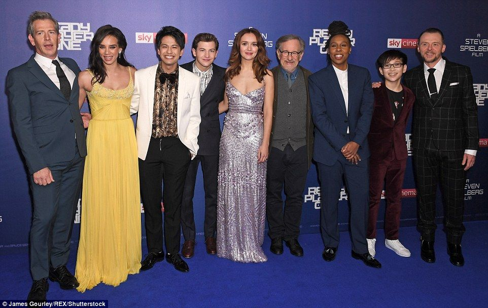 Olivia Cooke Dazzles In Sequinned Gown At Ready Player One Premiere Ready Player One Player One Eastenders Actresses