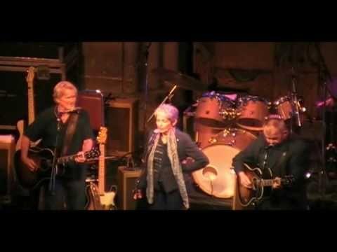 Kris Kristofferson, John Prine & Joan Baez-Hello In There, 6-16-10.wmv