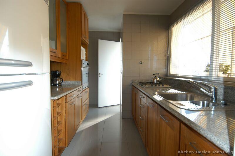 Traditional Medium Wood-Golden Kitchen Cabinets #26 (Kitchen-Design