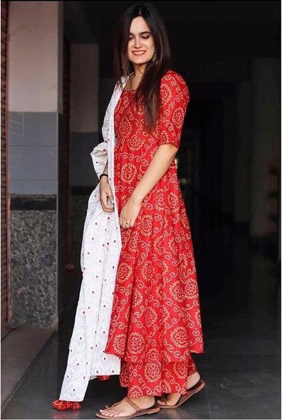 Beautiful Red Print kurti with White duppta for Girls&Women