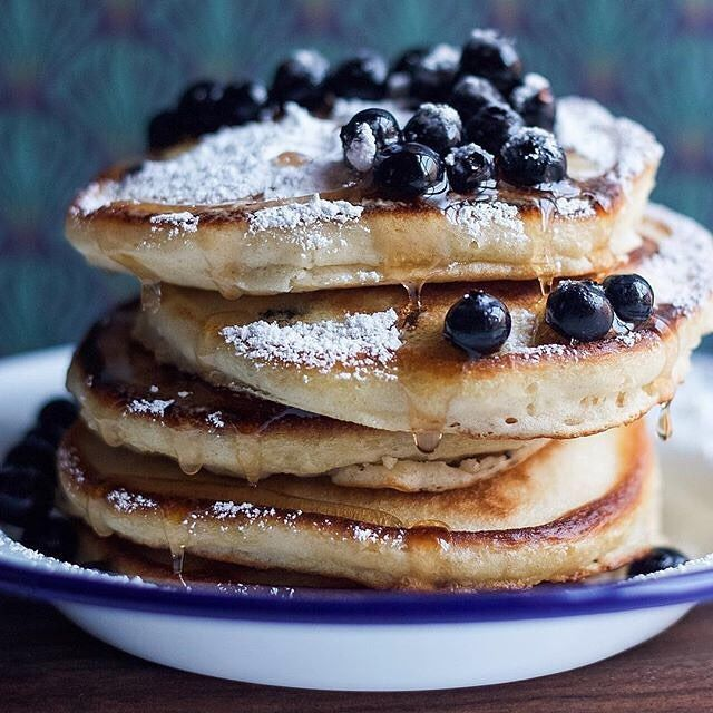 #HappySaturday! What about some #blueberry #pancakes? 📷 by @thedaleyplate! 👉Get our fav #recipe & 50+ more of our fav Pancakes recipes on the Feed on our Website | link in profile. (Feed edited by @runninsrilankan). 🌟Remember to share your cooking, baking, and drink making by tagging