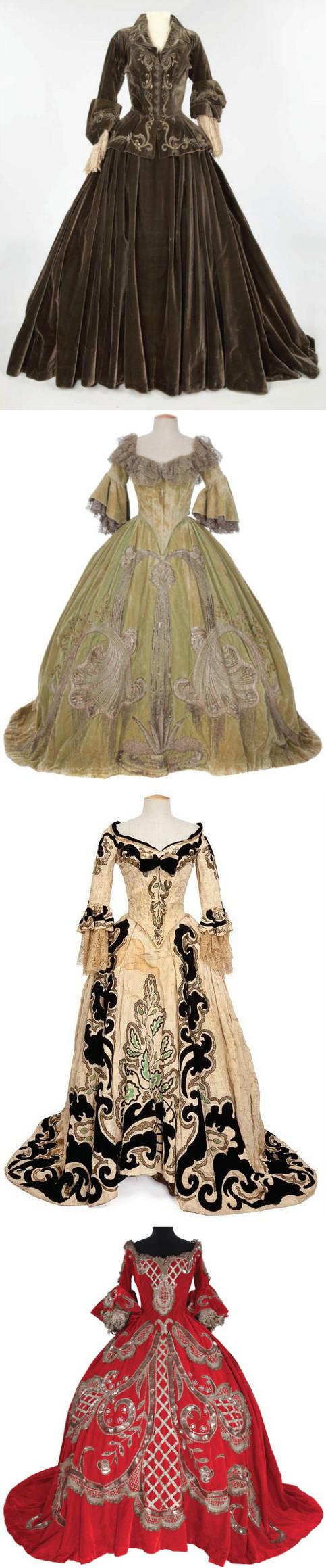 38版《瑪麗皇后》,戲服。