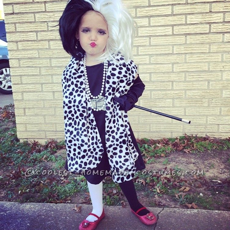 sweet cruella de vil costume halloween costume contest cruella deville and costume contest. Black Bedroom Furniture Sets. Home Design Ideas