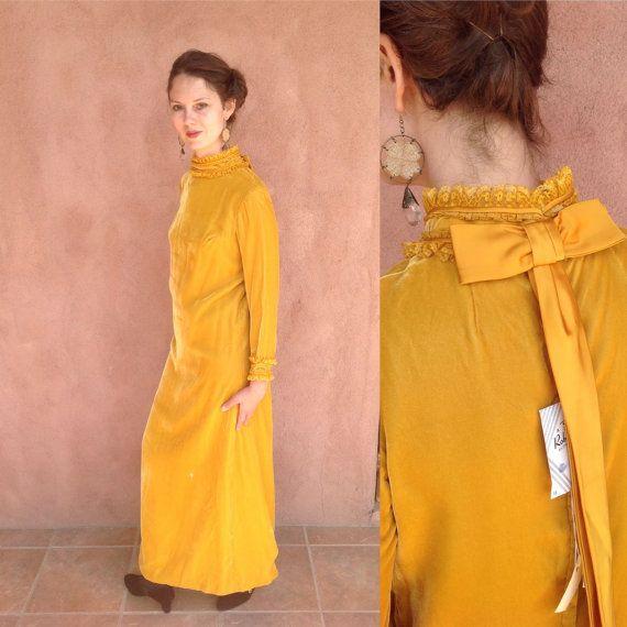 Gorgeous 70s Gold Velvet Maxi Dress (vintage deadstock) // High Collar Evening Gown