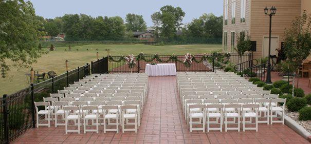 Bridgewood Resort - Neenah, WI - Terrace Wedding