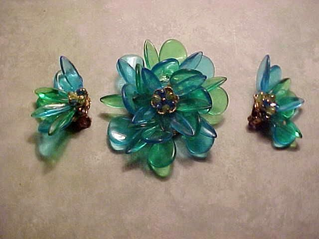 Vintage+ALICE+CAVINESS+Pin+Set+LUCITE/Bead+FLOWER+POWER+Green/Blue+60s+Clrs+#AliceCaviness