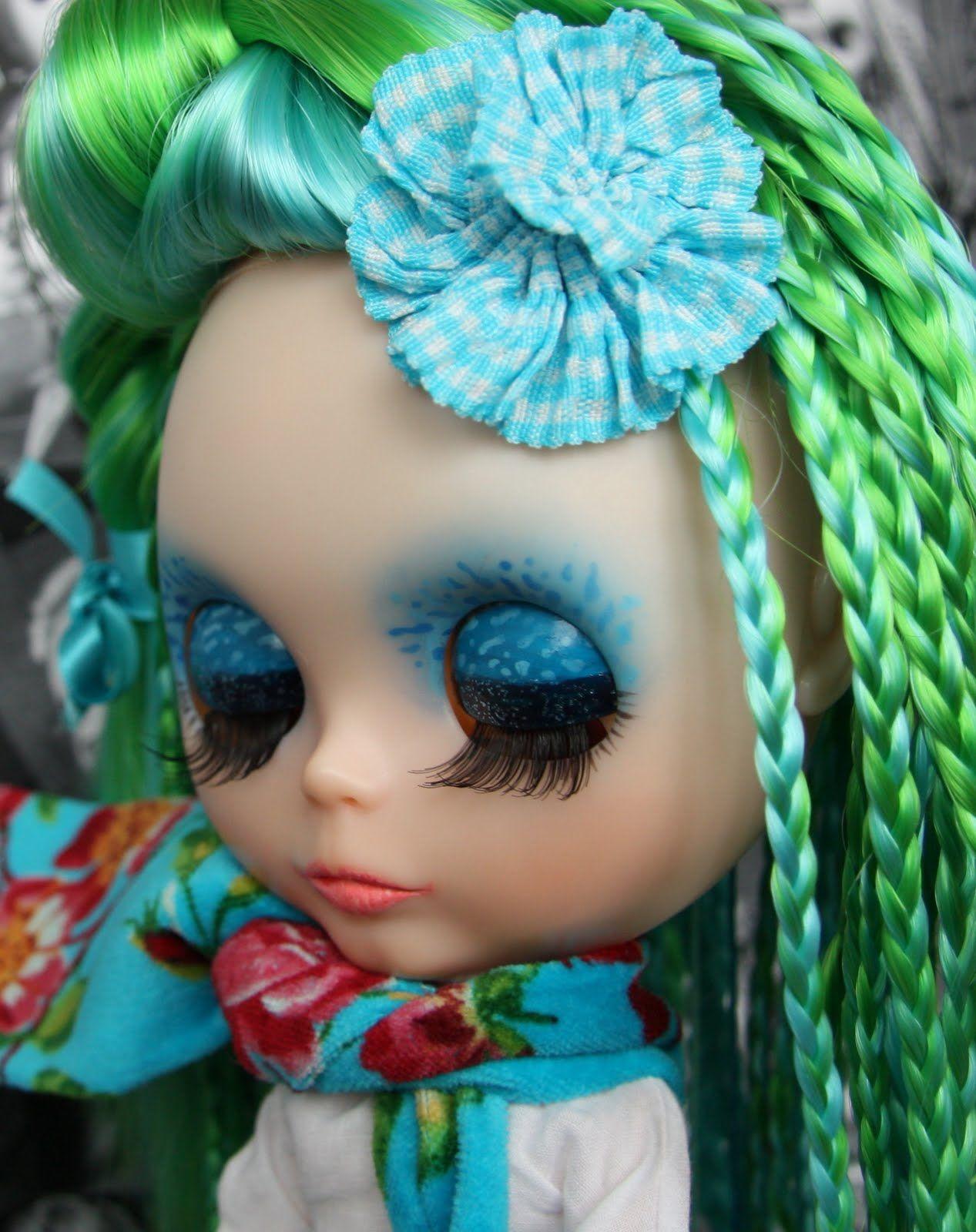Blythe Lily Blue,