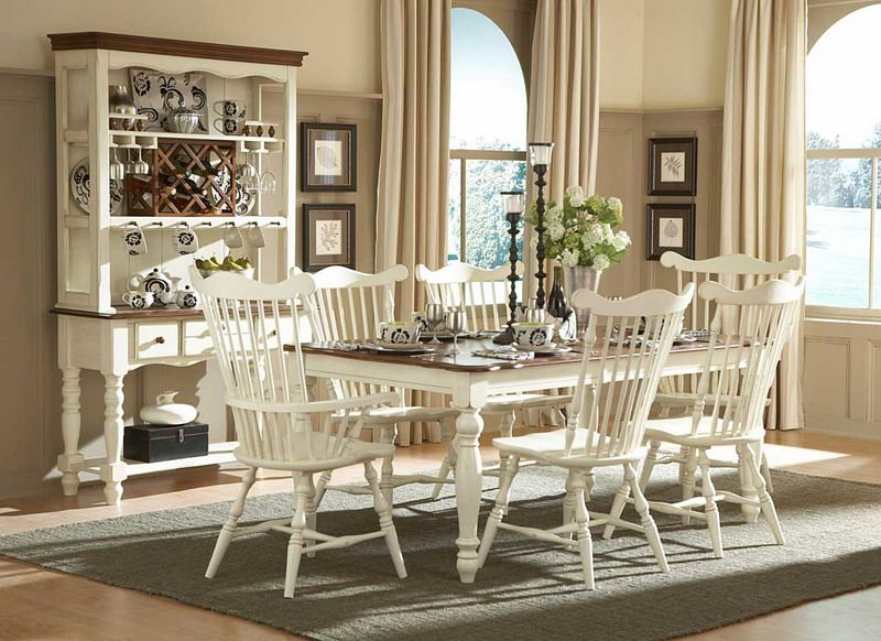 Ivory Curtains And Taupe Walls Country Dining Room Furniture Dining Room Decor Country Country Dining Rooms