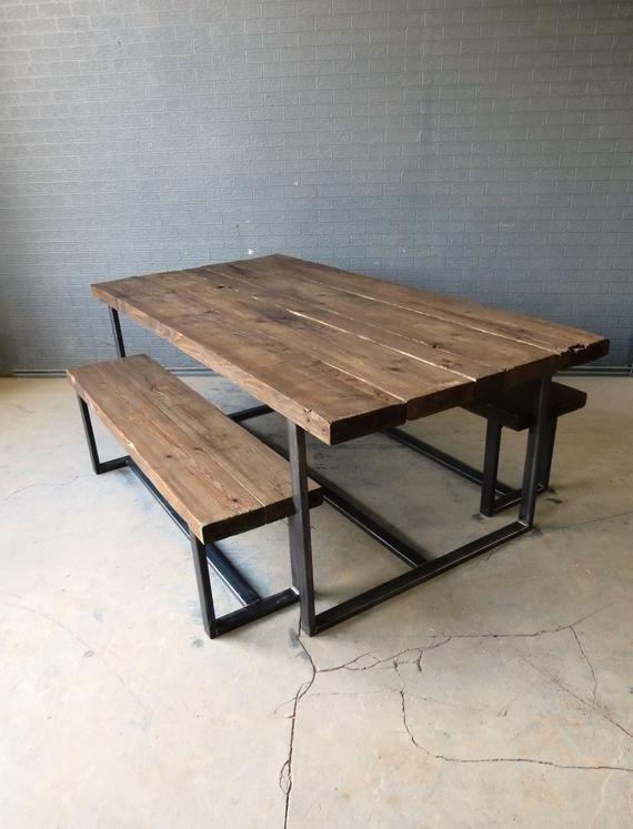 Belle #table #à #la #main, #fabriqué #à #partir #de #bois