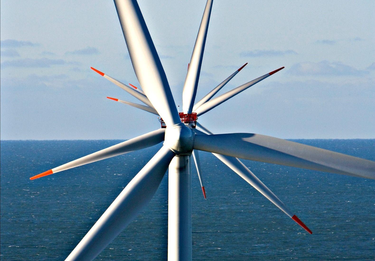 Britain installs world's biggest wind turbines near