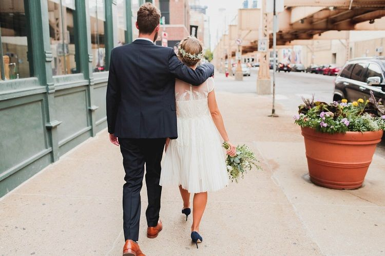 Bride and groom wedding portraits | fabmood.com #rooftopwedding #shortweddingdress #weddingdress #bluepumps #blueshoes #bride