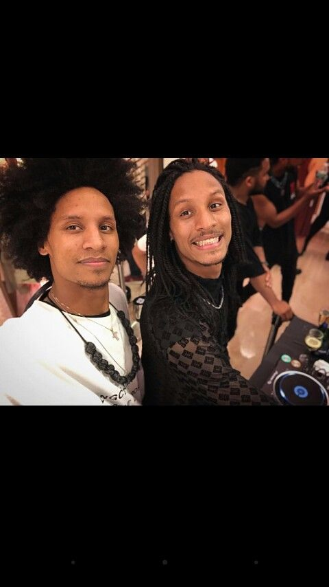 Pin by J Musiimenta on Crush ️   Les twins larry, Les