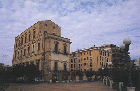 Il Palazzo Farnese a Ortona fu costruito su commissione di Margherita D'Austria, su progetto di Giacomo della Porta.