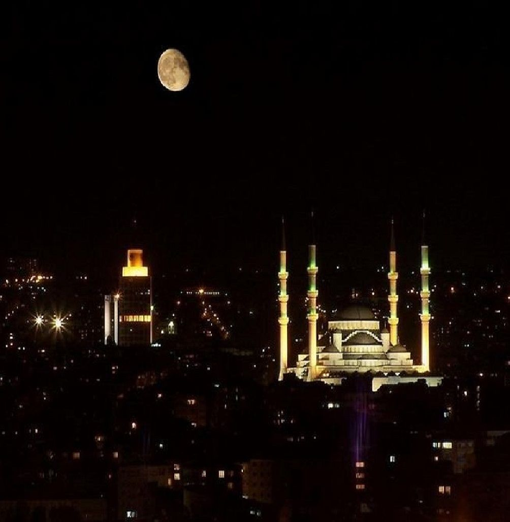 ✿ ❤ Night in Istanbul and moon