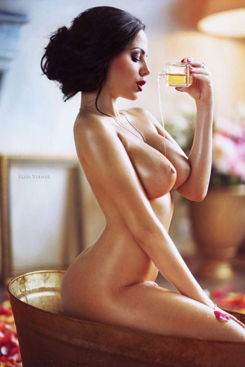 Rihanna nude gift set