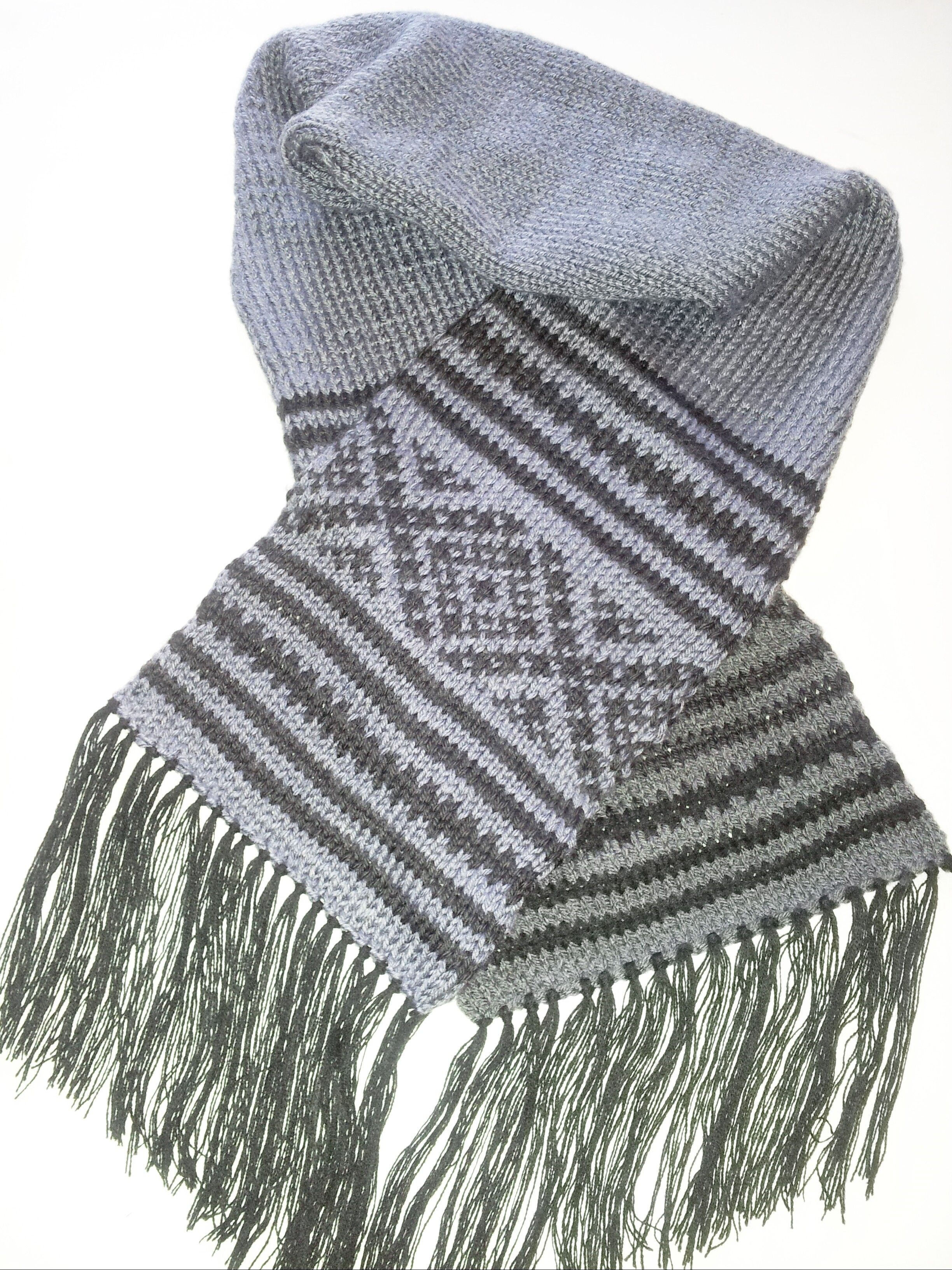 Follow step by step this free pattern to knit this beautiful ...
