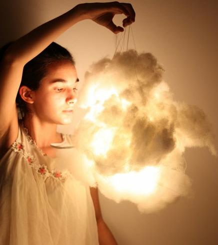 Que tudo de ruim que se aproximar de nós,  seja transformado em luz pela força da nossa fé.  Rosi Coelho