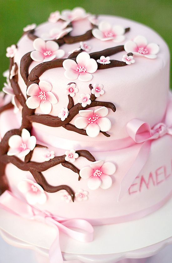So cute for a little girls cake Cakes Pinterest Girl cakes