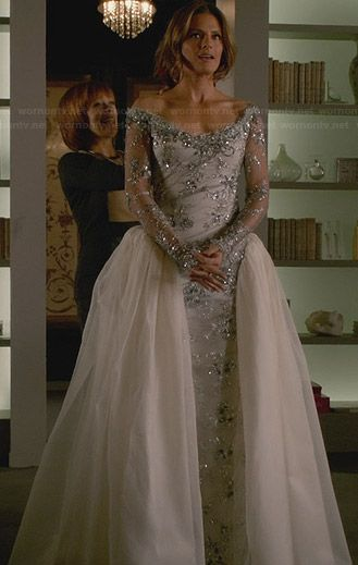 Kate S Wedding Dress On Castle Outfit Details Http Wornontv