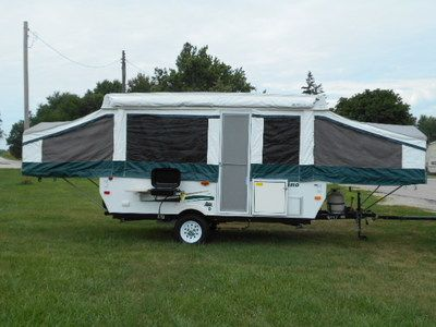 1 Owner 2010 Palomino Pop Up Popup Folding Camper Tent Travel