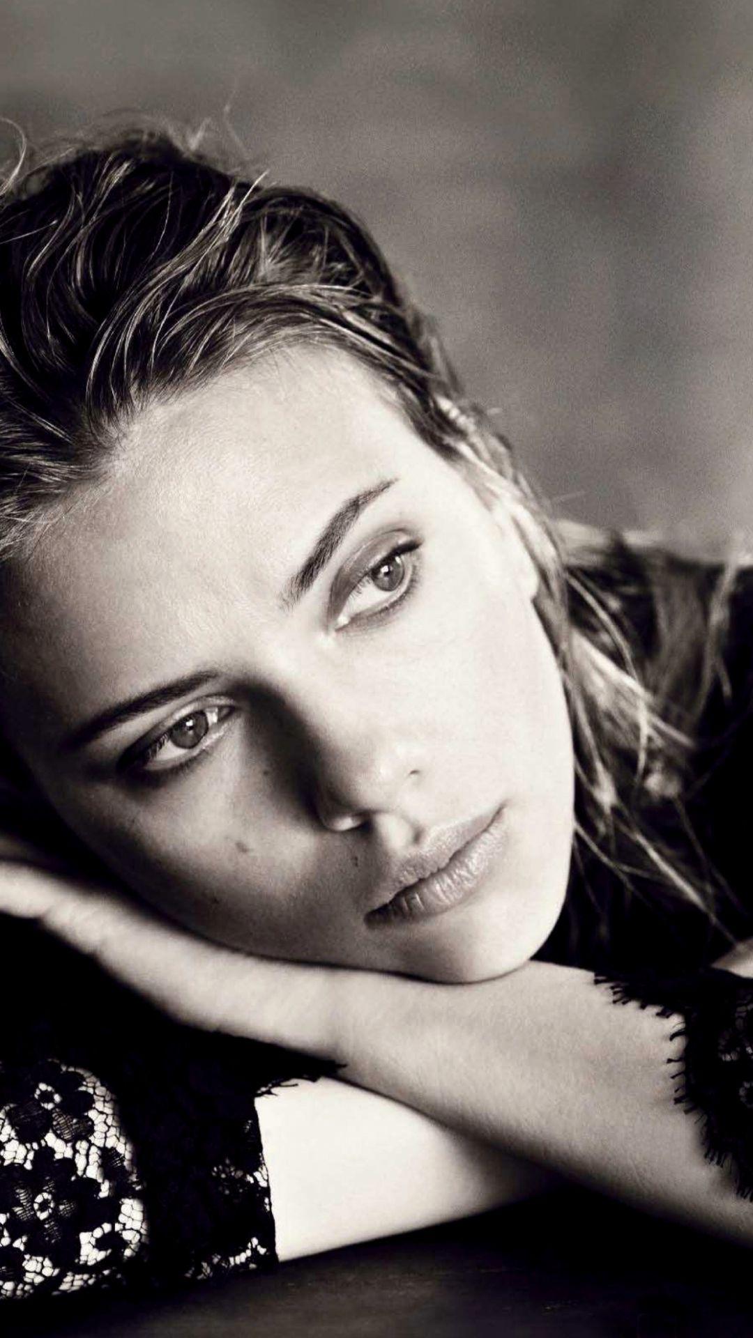 Scarlett Johansson Actress Celebrity Face iPhone 8