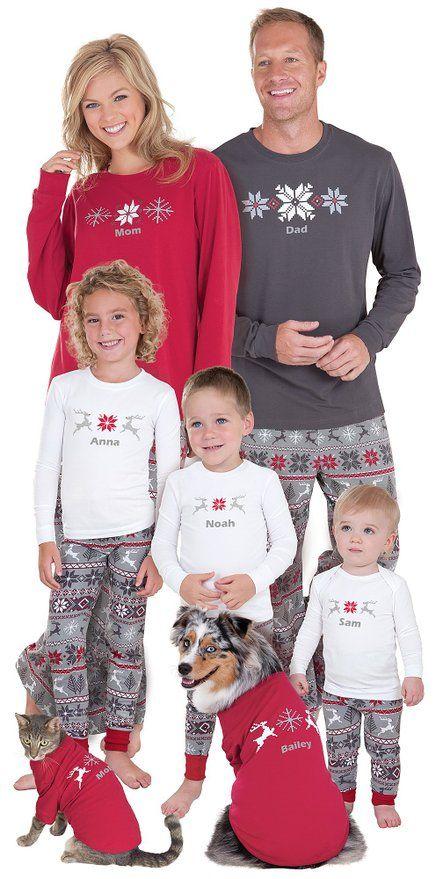 Holiday Matching Family Pajamas | MomMeMatch.com | Christmas ...