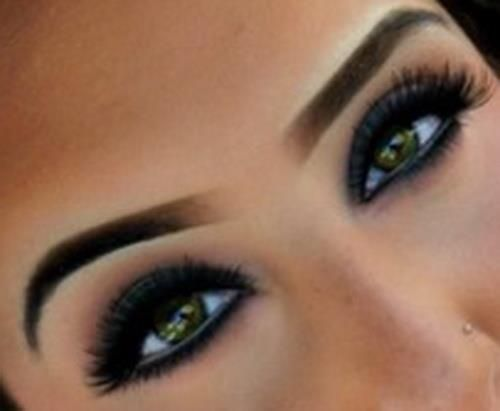 Makeup, smokey eye