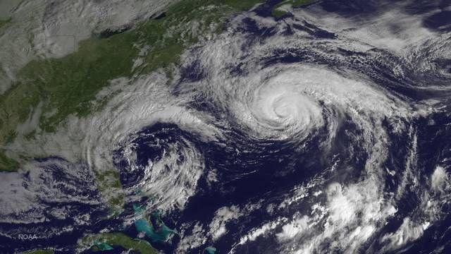 Satelliittikuva hurrikaani Joaquinista, joka ylitti Bermudan kolmion syksyllä 2015.