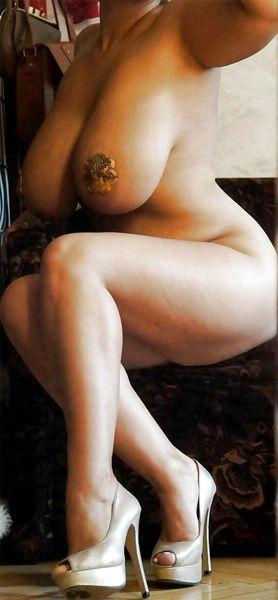 Kina kai naked
