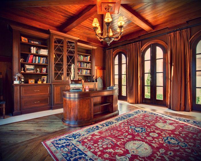 Le bureau en bois massif est une classique qui ne se démode pas ...