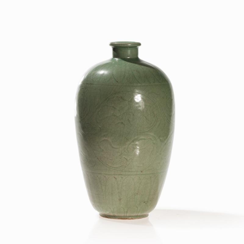 Longquan Bluish Green Celadon Vase China Yuan Ming Dynasty 13th