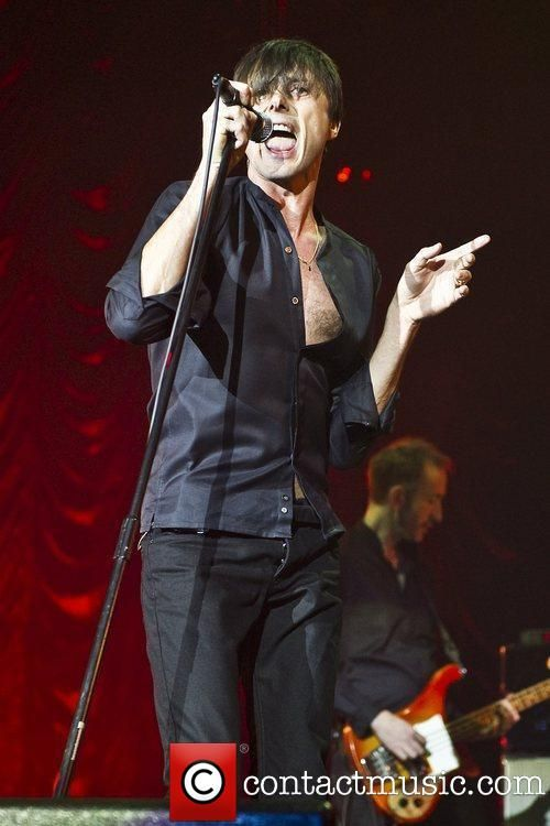 Brett Anderson Suede performing live in concert at O2 Arena London,... | Brett Anderson Picture 5582013 | Contactmusic.com
