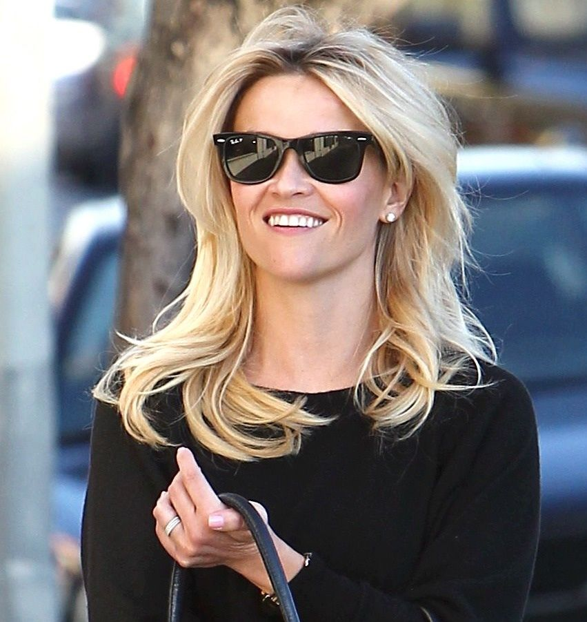 Reese Witherspoon S Cool Ray Ban Sunglasses She Wore In L