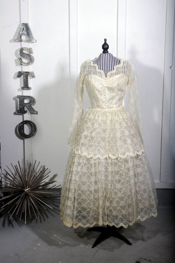 1950s Ivory Lace Wedding Dress by astrovintage on Etsy