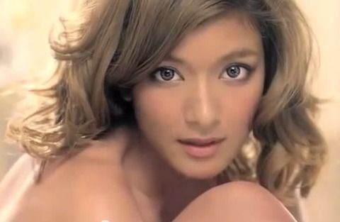 ローラがアメリカ進出!「レベッカミンコフ」のキャンペーンモデルに抜擢(画像あり)