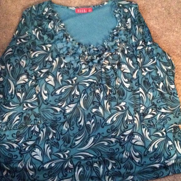 Elle size 2 X blouse Long sleeve blouse , round neck, lined , ruffle flower detail around neckline . Elle Tops Blouses