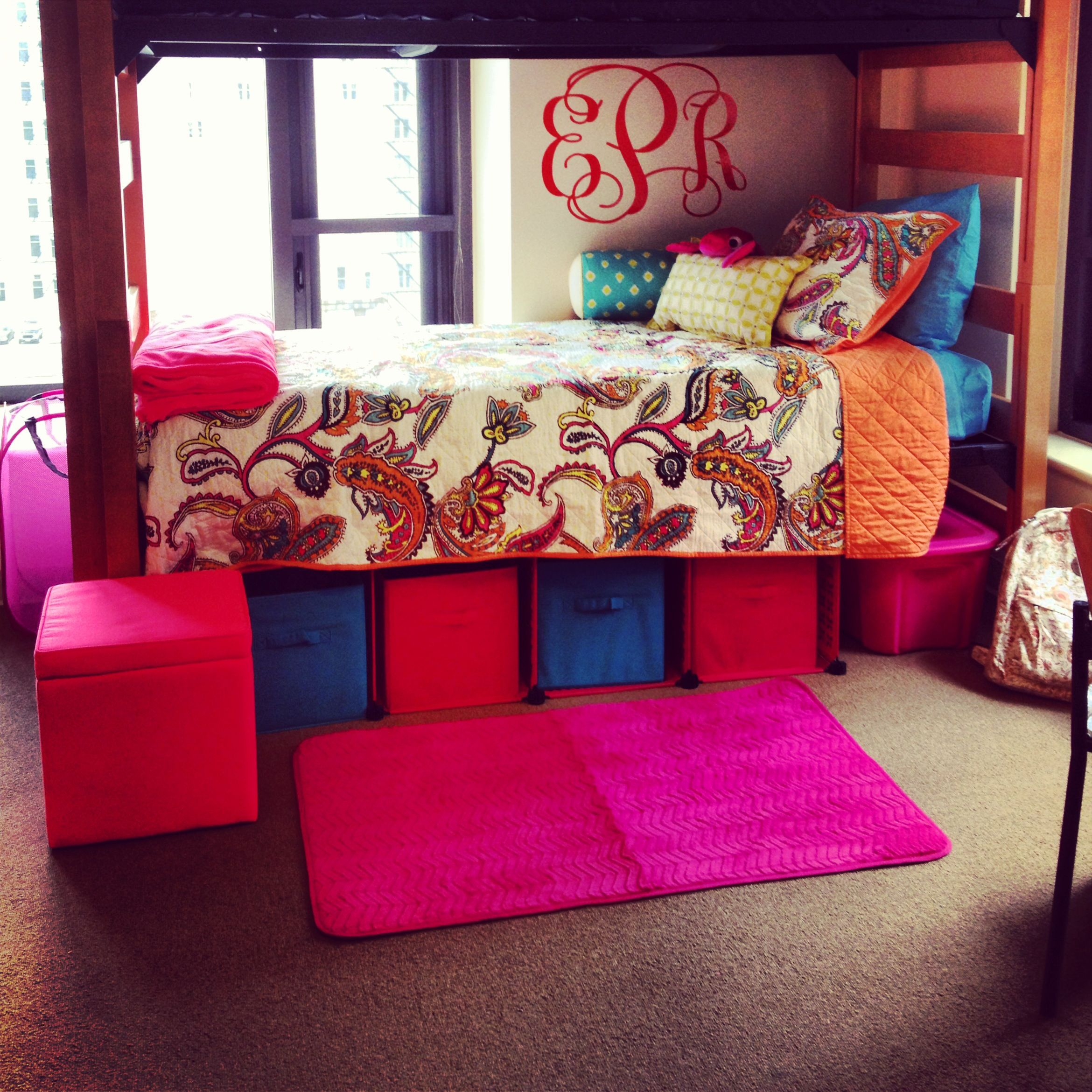 Colorful dorm room decor we this - Dorm underbed storage ideas ...