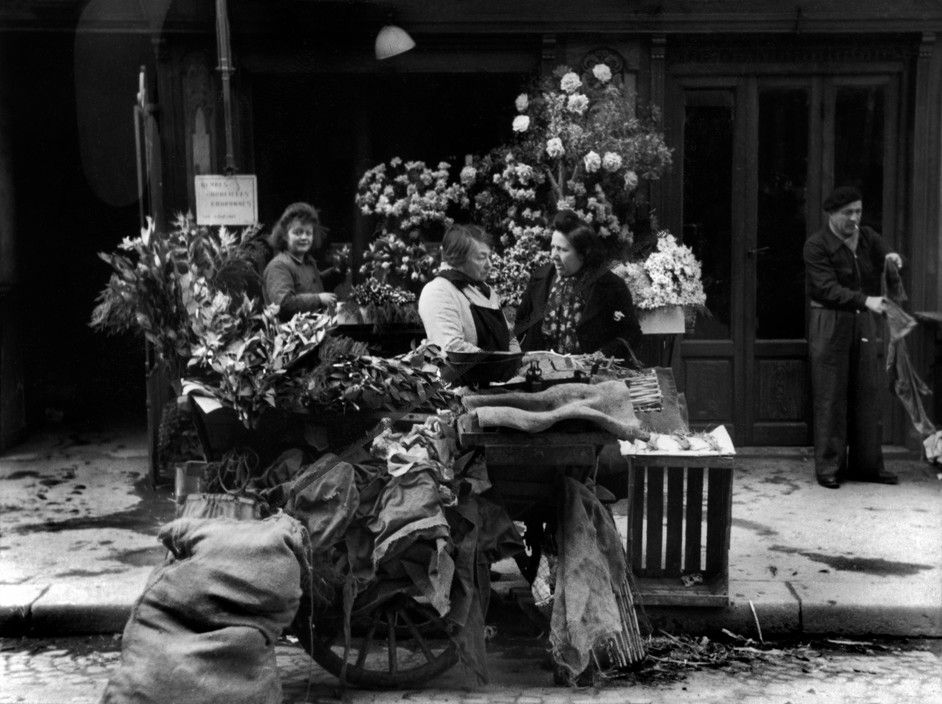 Henri Cartier-Bresson - Paris. Circa 1945-1946.